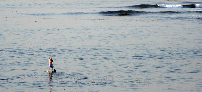 25 Michael Lee paddling out.jpg