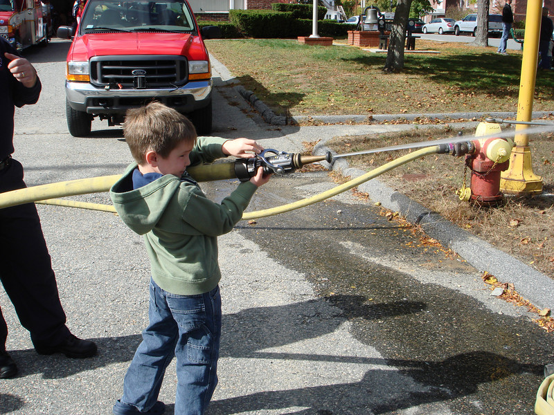 Oct07_playgroundandfirestation010.JPG