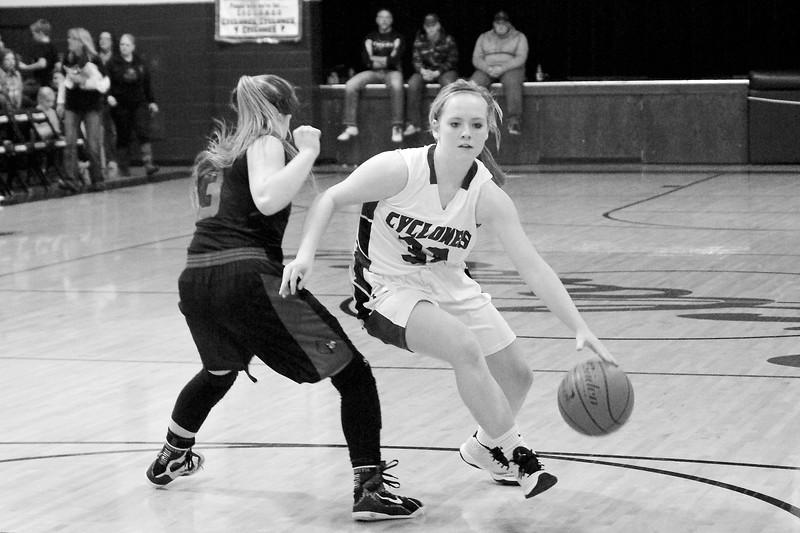 '17 Cyclones Girls Basketball 281.jpg