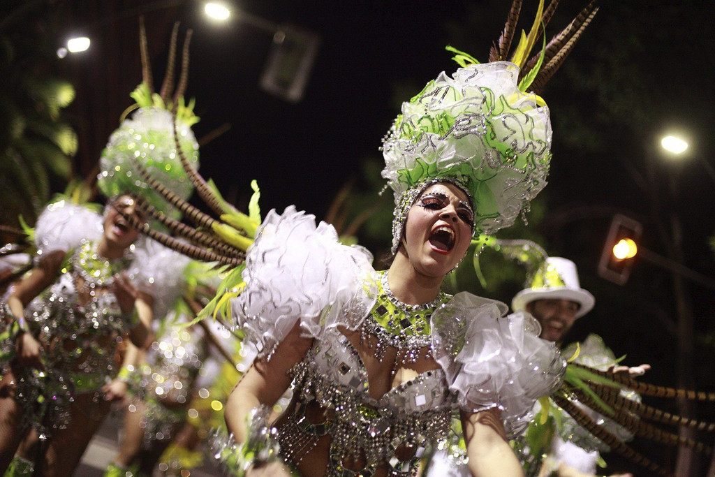 . Members of dancing group \'Cariocas\' perfom during a carnival parade in Santa Cruz de Tenerife, Canary Islands, Spain, 01 March 2014.  EPA/RAMON DE LA ROCHA