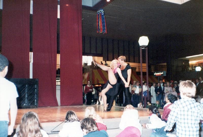 Dance_2242_a.jpg