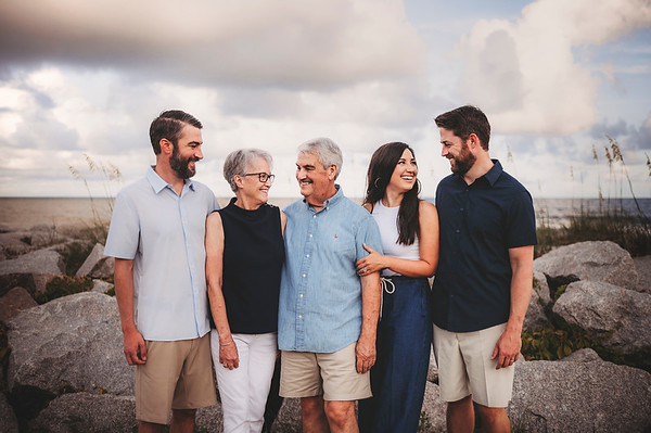 Leslie Moore Family {7.21}