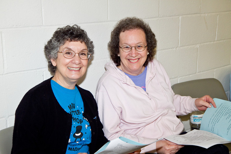 Stathie and Susan at the Doug Chin Clogging Classic