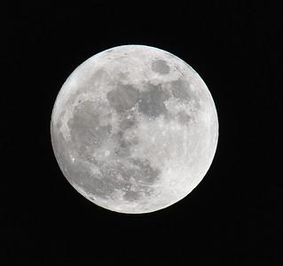 2010-04-27 Moon