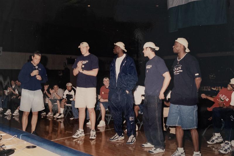 UNCW Basketball 99-00-45.jpg