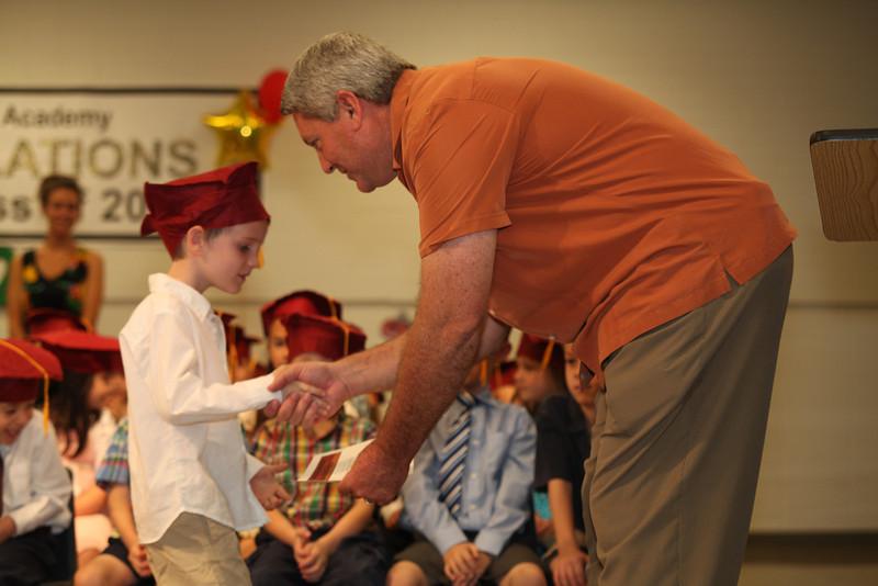 2012May18_MTA Kinder Grad_9711.JPG