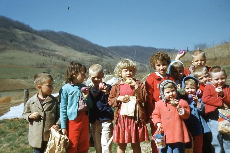 1959 - Egg Hunt .jpg