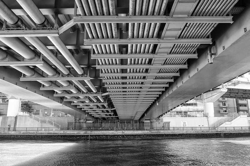 Under the Bridge bw