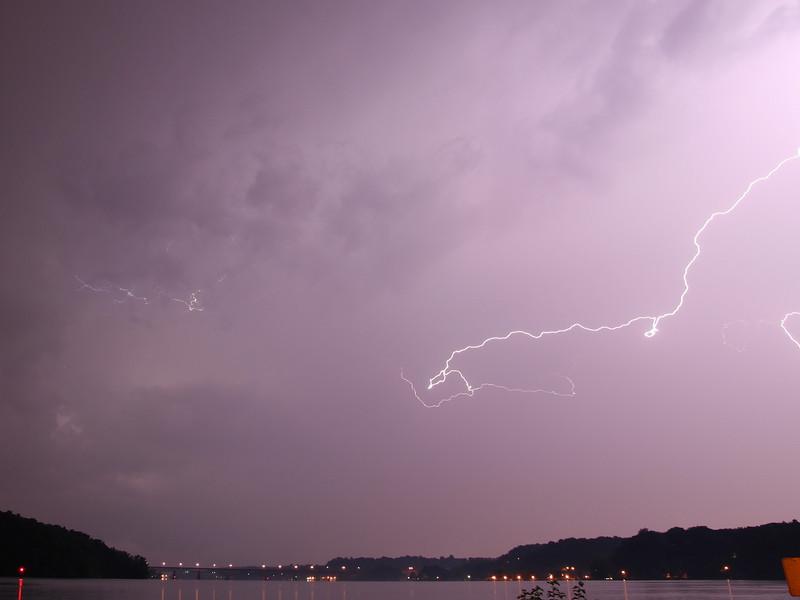lightning_irond_08_4x3_07232008.jpg
