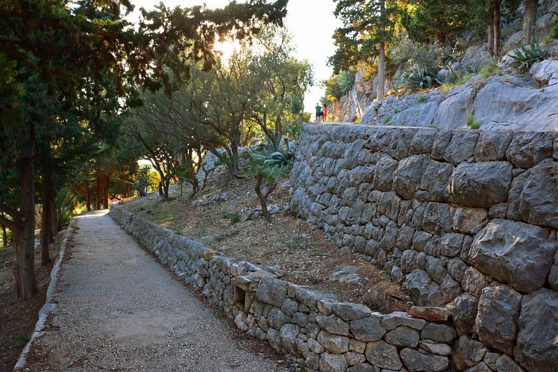 Hvar Pathway