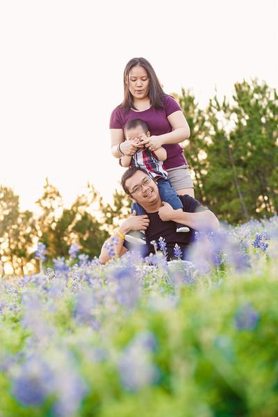 blue-bonnet-family-portrait-370.jpg