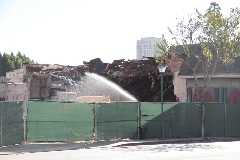 2014-01-14_LittleJoes_Demolition_0010.JPG