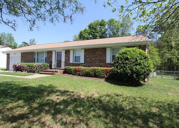 10813 Ann Davis Drive - For Rent $1,425/mo.- RENTED