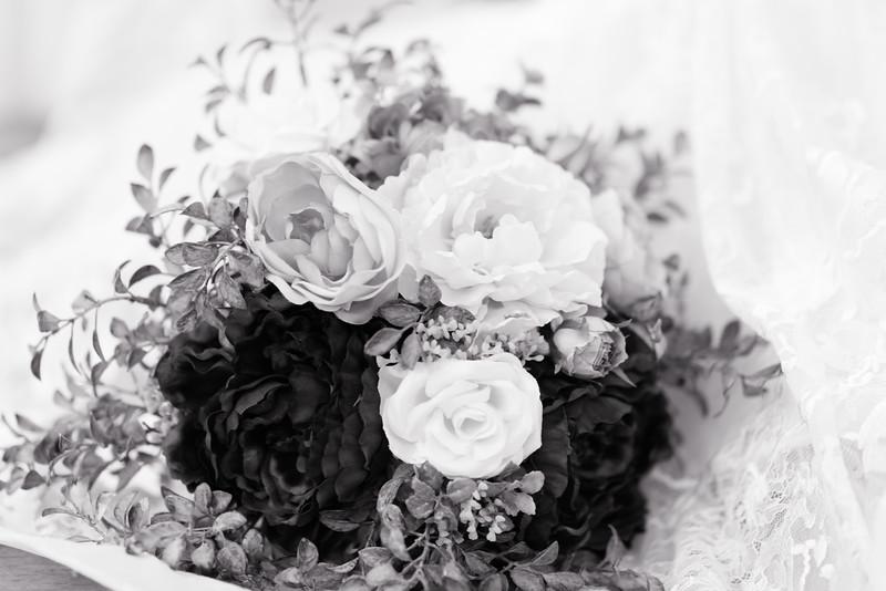 Lachniet-MARRIED-a-Pre-Ceremony-0043.jpg