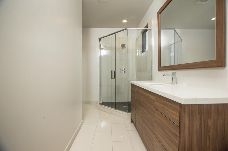 Bathroom Suite 1.jpg
