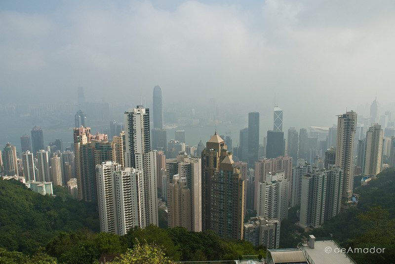 aeamador©-HK08_DSC0129 Hong Kong is a very modern, slick and clean city. It speaks high-class. View of the city from Victoria peak. Smog is equally impressive, though.