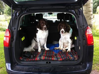 20130806 Max & Monty met badjas