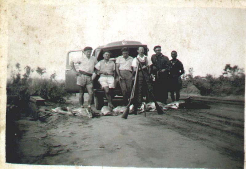 1954-55  Estrada do Camissombo- Morgado e amigos