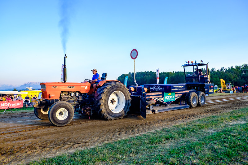 Tractor Pulling 2015-1981.jpg