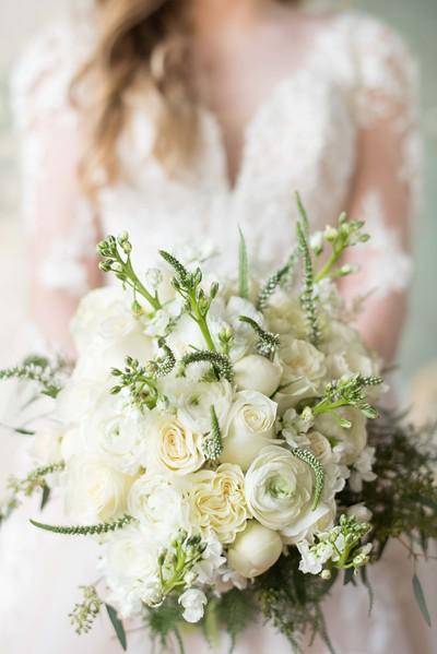 elegant-bride-bouguet.jpg