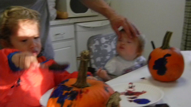 DSCN1046 - Ada and Dylan painting pumpkins.MOV