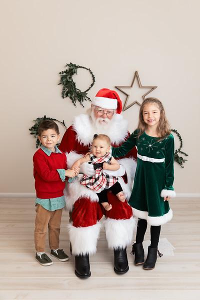 Santa 2017 HIGH Res 370A1066-Edit.jpg