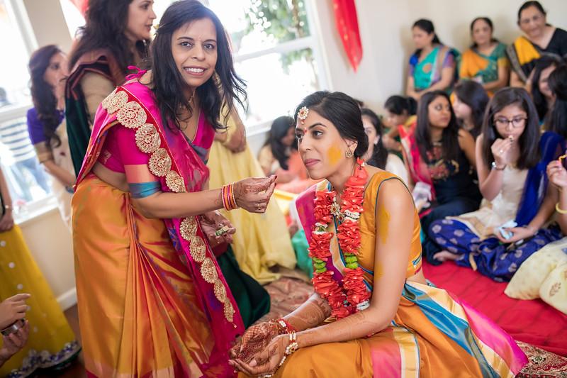 Hina_Pithi_Pooja-241.jpg