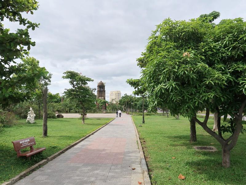 IMG_1965-dong-hoi-city-park.jpg