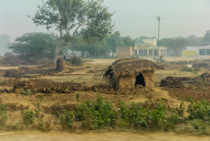 Roads_in_India_1206_004.jpg