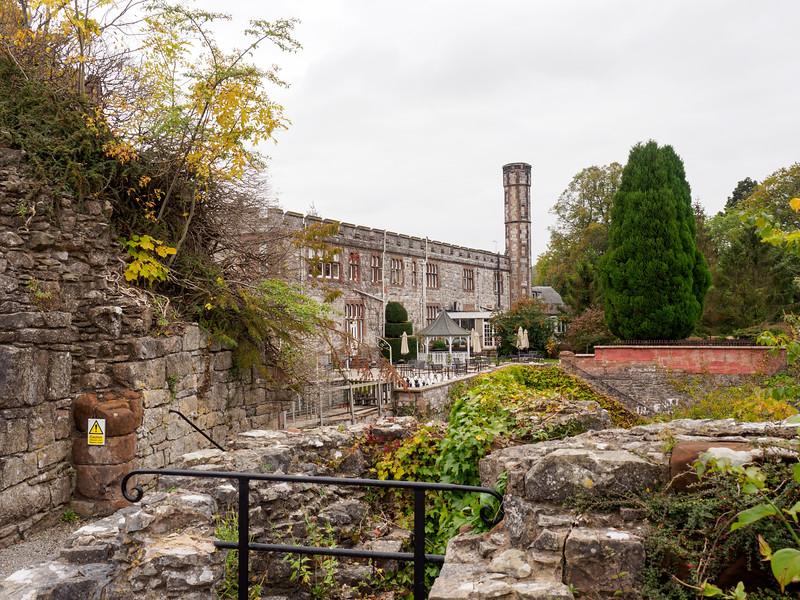 Ruthin Castle courtyard