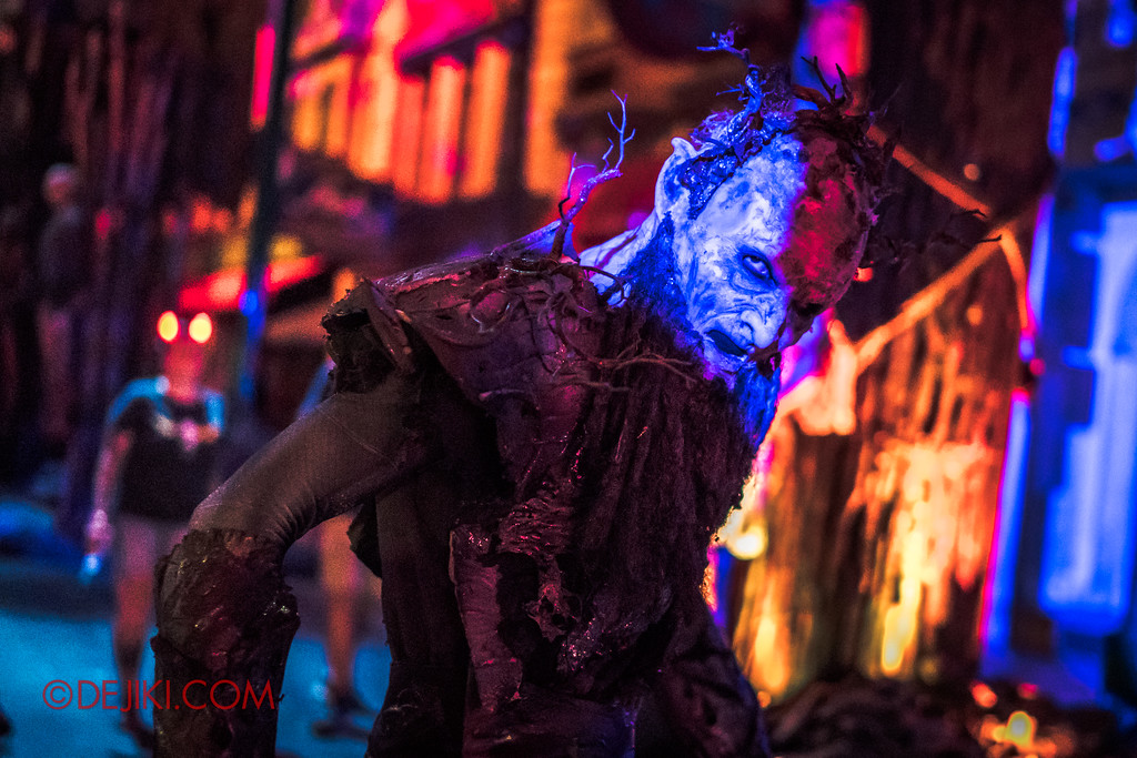 Halloween Horror Nights 7 - Pilgrimage of Sin / Malice Keeper blue