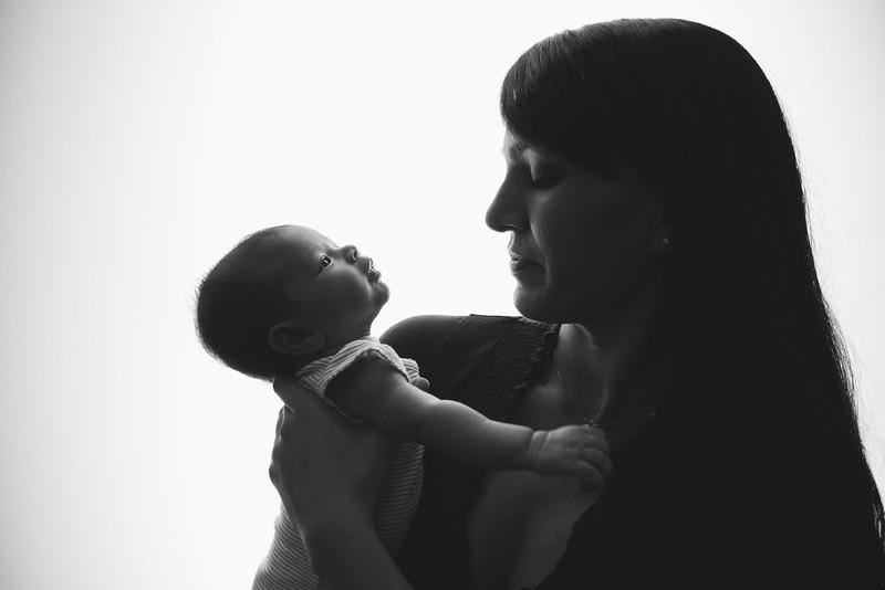Neela Newborn_2015_-31.jpg