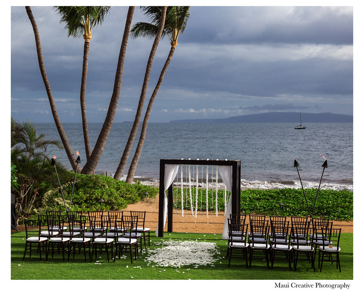 Maui-Creative-Destination-Wedding-0139.jpg