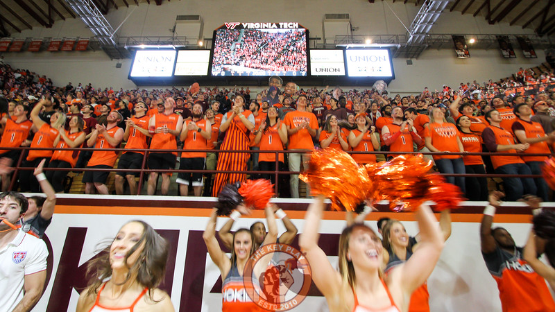 The student section and Virginia Tech sprit squads jump to Enter Sandman at the start of the game. (Mark Umansky/TheKeyPlay.com)