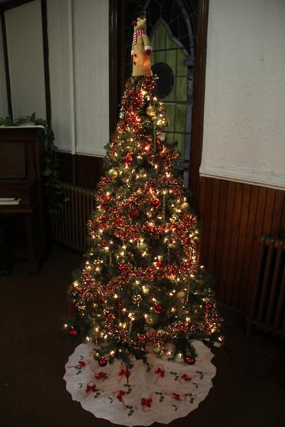 Tree Decorating, Community Arts Center, Tamaqua (11-29-2012)