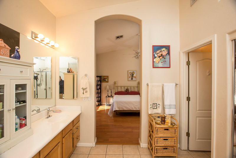 bathroom to bedroom 2.jpg