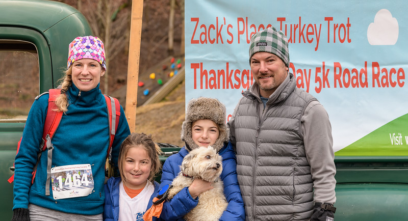 2019 Zack's Place Turkey Trot -_8507794.jpg