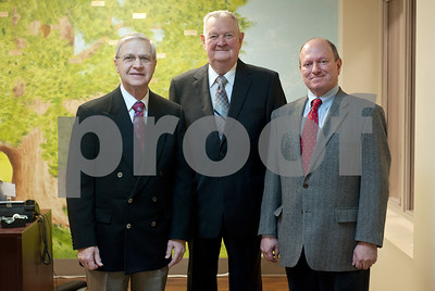 three-local-physicians-recognized-at-bethesda-health-clinic