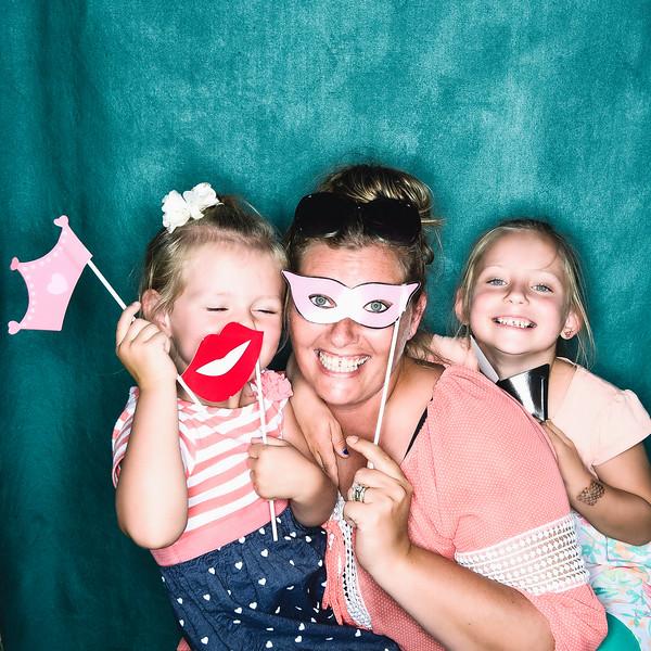 aubrey-babyshower-June-2016-photobooth-41.jpg