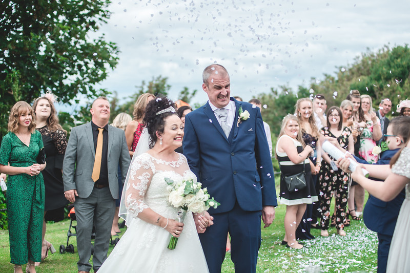 Mr & Mrs Wallington-201.jpg