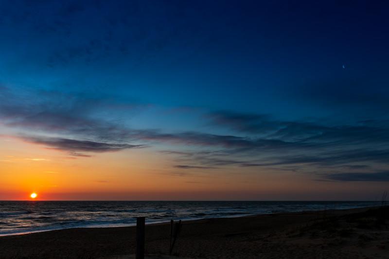 SunriseMoon_031820-001
