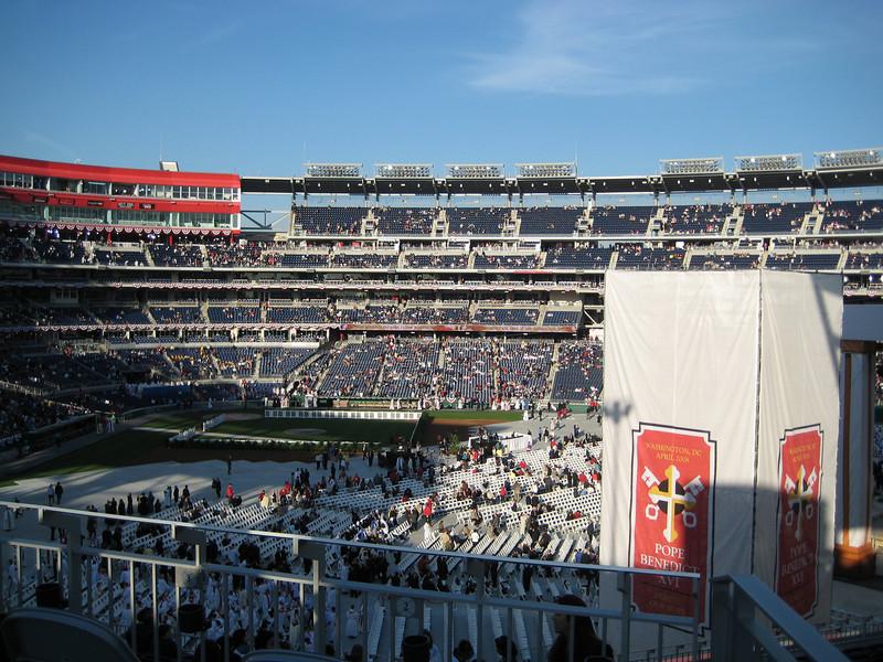 Pope Mass Nats Stadium 4-17-08 014.jpg