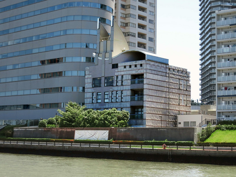 Unknown building, Harumi Dori (KachidokiBashi Bridge) coming up on left 2345.jpg