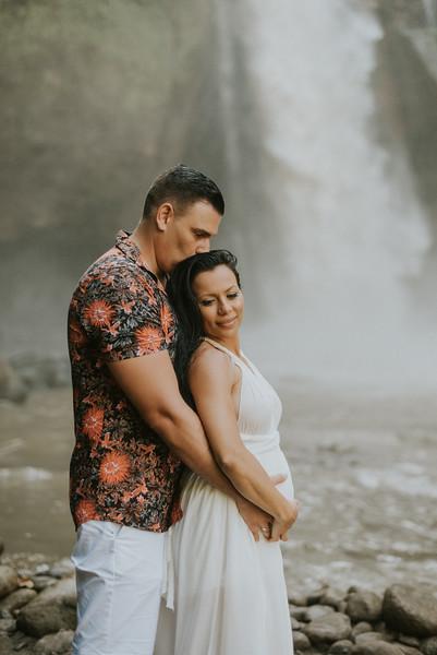 VTV_family_photoshoot_with_waterfall_Bali (157).jpg