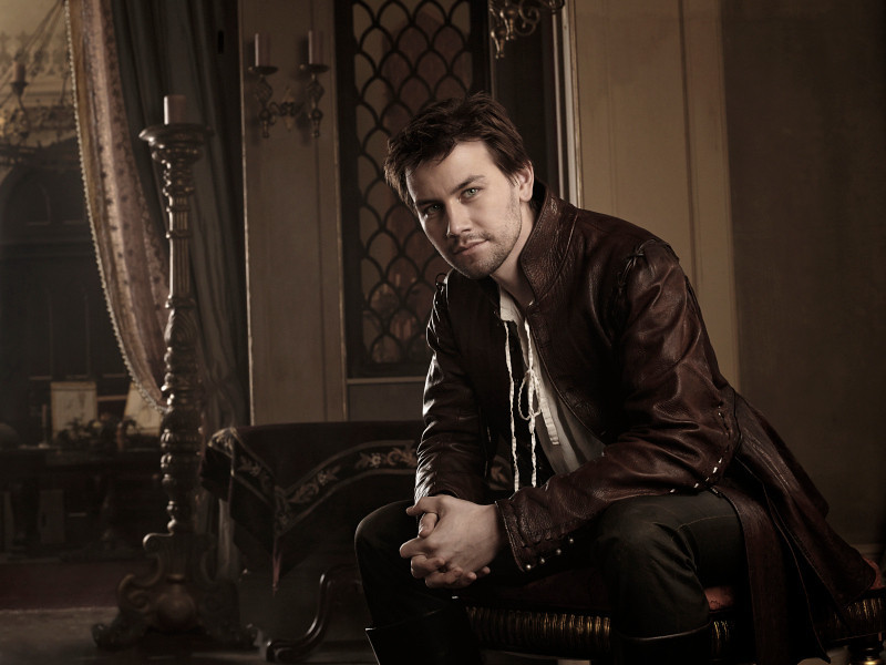 . Pictured: Torrance Coombs as Bash -- Photo: Mathieu Young/The CW -- © 2013 The CW Network, LLC.