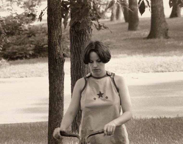 1977 Susan Mowing007.jpg