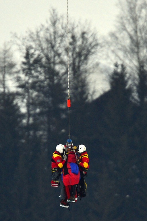 . USA Lindsey Vonn is transported by helicopter after a fall during the women\'s Super-G event of the 2013 Ski World Championships in Schladming, Austria on February 5, 2013.  FABRICE COFFRINI/AFP/Getty Images