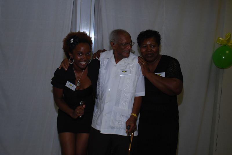 Johnson's Family Reunion 2012_0425.jpg