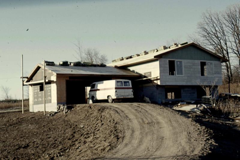 1974-10 - Ready for shingles