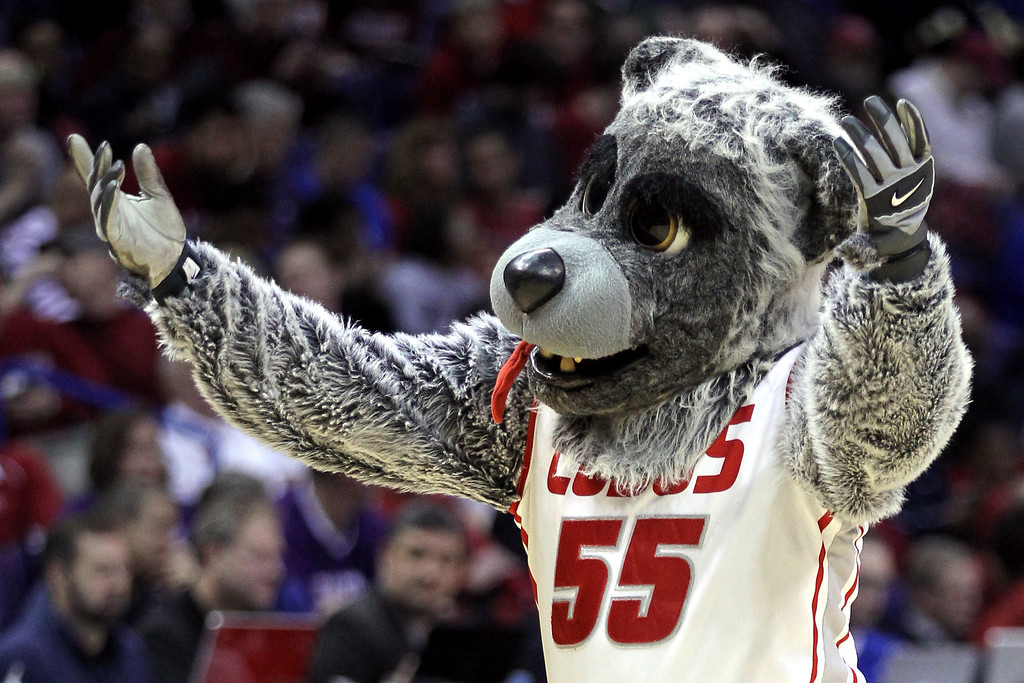 . New Mexico Lobos mascot cheers against the Stanford Cardinal during the second round of the 2014 NCAA Men\'s Basketball Tournament at Scottrade Center on March 21, 2014 in St Louis, Missouri.  (Photo by Andy Lyons/Getty Images)